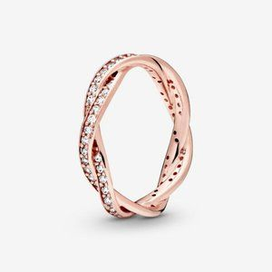 😋Pandora  Sparkling Twisted Lines Ring